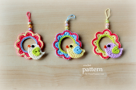 Crochet Pattern - Little Bird Sitting On A Wreath