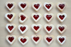 linzer heart shaped cookies