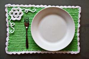 crochet spring placemat, how to make crochet placemat, crochet place mat pattern, tutorial, pictures, step by step, images, etsy