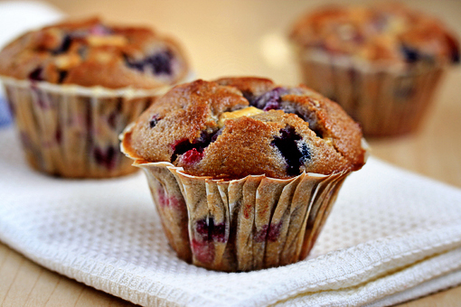 Mixed Berry Muffins with White Chocolate Chunks « Muffins ...