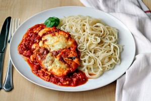 chicken Parmesan recipe with step by step pictures and list of ingredients, homemade chicken Parmesan with noodles, pictures, images, recipe