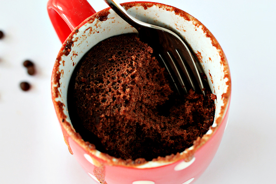 5-minute-chocolate-mug-cake-step-by-step-recipe-texture-of-the-cake