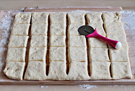 sweet jam filled buns how to cut the dough into squares