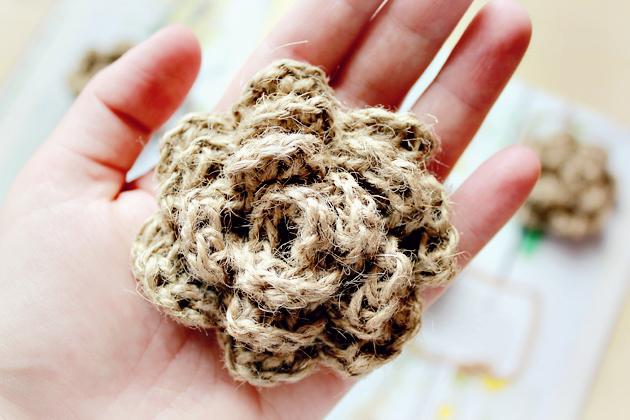 crocheted-twine-flower