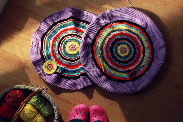 crochet pouf (floor cushion)