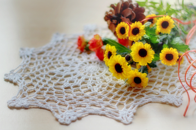flowers on doily hdr