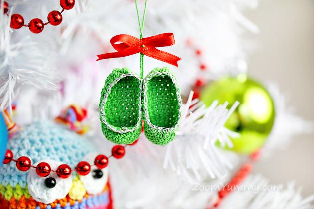 crochet Christmas tree ornaments - slippers